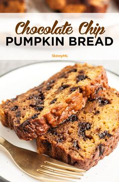Get your fall on with this Chocolate Chip Pumpkin Bread recipe. Our healthy recipe captures everything you love about moist, tender pumpkin bread.  #recipes #healthyrecipes #cleaneating #dessert #chocolatechip #pumpkinrecipes #pumpkinbread