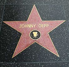 Love me so Johnny Depp... lots of good info about his life and lists all his movie (which one day I planning on watching)