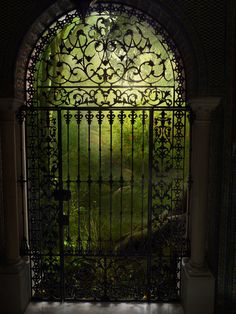 Wish this was a real door with a real place. Maybe I could make it so one day.