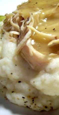 Simple Crock Pot Chicken with Gravy and Mashed Potatoes - appx. 165 calories/serving, assuming 4 servings & 3 chicken breasts = 16 ounces- My mom makes the BEST Crock Pot Food, Crockpot Dishes, Crock Pot Slow Cooker, Slow Cooker Recipes, Crockpot Recipes, Chicken Recipes, Cooking Recipes, Crockpot Chicken And Gravy, Chicken Meals