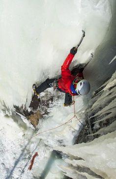 Αναρρίχηση σε παγωμένο καταρράκτη Ice Ice Baby, Ice Climbing, Outdoor Adventures, Extreme Sports, Mountaineering, Amazing Places, The Good Place, Gentleman, Camping