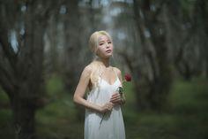 SOLAR K Pop, South Korean Girls, Korean Girl Groups, Cosmic Girl, Lee Hi, Mamamoo Kpop, Solar Mamamoo, K Idols, Yellow Flowers