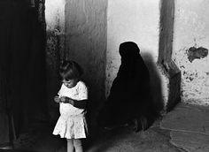 Rafael Sanz Lobato received Spain's Premio Nacional de Fotografia in shortly before his birthday. Garcia Alix, Alberto Garcia, 80th Birthday, Flower Girl Dresses, Black And White, Wedding Dresses, Photography, Image, Fashion