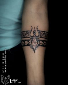 Ankle Band Tattoo, Tribal Band Tattoo, Forearm Band Tattoos, Tribal Shoulder Tattoos, Armband Tattoos For Men, Armband Tattoo Design, Wrist Tattoos For Guys, Tattoo For Boys, Hand Tattoos For Men