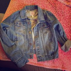 Aeropostale denim jacket Worn once! Great condition and lots of wear left in this jacket. Size XL in juniors Aeropostale Jackets & Coats Jean Jackets