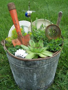 Miniature Junk Gardens - Garden Junk Forum - GardenWeb.......I do believe I have all the ingredients for this one.