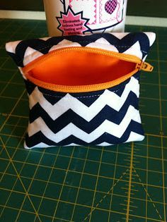 keeperoftheskieswife: Coin purse tutorial