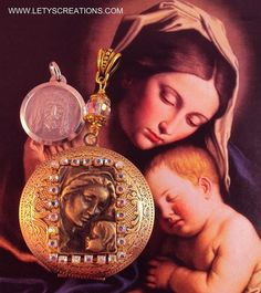Catholic Relic Touched to the Holy Sudarium of Oviedo Reliquary Locket www.letyscreations.com