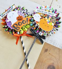 lolipop card with doodlebug -boovile Halloween Gift Bags, Halloween Paper Crafts, Paper Crafts For Kids, Halloween Cards, Halloween Gifts, Holidays Halloween, Halloween Themes, Halloween Decorations, Diy Crafts