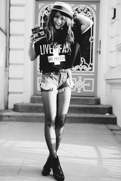 High waist Shorts.