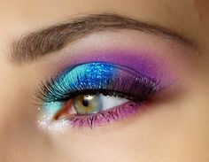 Amazing Wedding Makeup Tips – Makeup Design Ideas Bright Eye Makeup, Pink Eye Makeup, Colorful Eye Makeup, Sexy Makeup, Eye Makeup Tips, Pretty Makeup, Love Makeup, Makeup Trends, Beauty Makeup