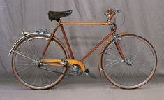 The Littorina Autarchica was a wood and aluminum bicycle made by Turin's Officine Vianzone in the 1930s.