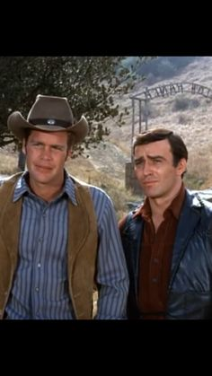 James Drury The Virginian and Doug McClure Trampas Doug Mcclure, James Drury, The Virginian, Tv Westerns, Shiloh, Classic Tv, Cowboys, Movie Stars, Movie Tv