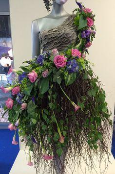 Flowers dress                                                                                                                                                                                 Mehr