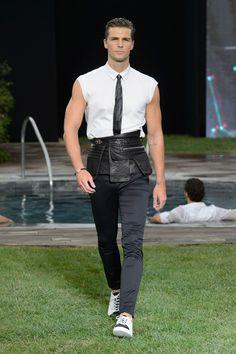 Dirk-Bikkembergs-Spring-Summer-2016-Menswear-Collection-Milan-Fashion-Week-020