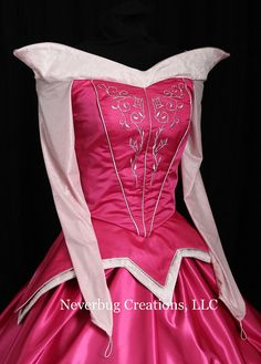 Sleeping Beauty Embroidered Custom Costume in Blue or Pink Princess Aurora Costume, Disney Princess Dresses, Disney Dresses, Sleeping Beauty Fancy Dress, Sleeping Beauty Cosplay, Disney Ball Gown, Corsage, Robes Disney, Vestidos Color Rosa