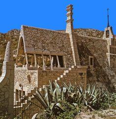 Otras realizaciones / Arquitectura / Bodegas Güell - 1895-1897 - Garraf - A.Gaudi