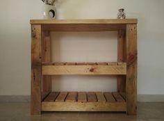 Dale un toque rústico al baño o aseo de tu casa con esta estantería de #palets. Pallets, Shelves, Inspiration, Home Decor, Rustic Feel, Rustic Furniture, Diy, Beds, Wood