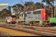 Net Photo: UP 1068 Union Pacific EMD at San Francisco, California by jorge nicolo Union Pacific Railroad, Model Trains, Diesel, San Francisco, Southern, United States, California, America, Belt