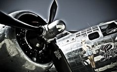 Photo Flying Pin up - Olivier Lavielle Airplane Photography, Art Photography, Travel Lounge, Old Planes, Flying Ace, Nose Art, Create Image, Office Art, Contemporary Artists