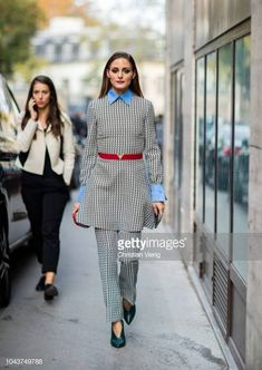 Olivia Palermo is seen outside Valentino seen during Paris Fashion Week Womenswear Spring/Summer 2019 on September 30 2018 in Paris France Olivia Palermo Outfit, Estilo Olivia Palermo, Olivia Culpo, Olivia Palermo Street Style, Olivia Palermo Lookbook, Olivia Palermo Makeup, Fashion Week Paris, John Galliano, Diana Fashion