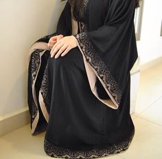 stunning sleeve details on this abaya! Burqa Designs, Abaya Designs, Abaya Fashion, Modest Fashion, Fashion Outfits, Muslim Women Fashion, Islamic Fashion, Modest Wear, Modest Outfits