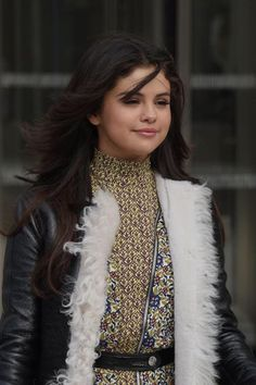 Selena Marie Gomez Selena Gomez Bikini, Selena Gomez Cute, Selena Gomez Style, Beautiful Celebrities, Beautiful People, Marie Gomez, Girl Photography Poses, Her Smile, Sweet Girls