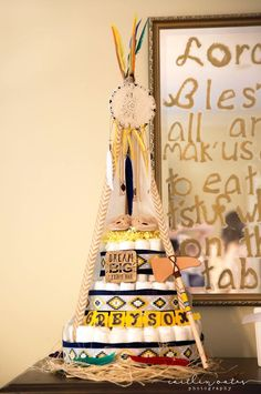 Teepee Indian/tribal themed diaper cake for Caitlin's baby shower Baby Shower Nappy Cake, Idee Baby Shower, Diaper Cake Boy, Baby Shower Cakes For Boys, Shower Bebe, Baby Shower Parties, Baby Shower Themes, Baby Boy Shower, Baby Shower Decorations