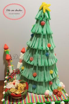 Sugar Christmas Tree - Arbol de Navidad de #Chuches #golosinas #Bonbons Christmas Sweets, Diy Christmas Tree, Holiday Tree, Christmas Candy, Christmas Holidays, Christmas Baking, Xmas, Food Art For Kids, Candy Art