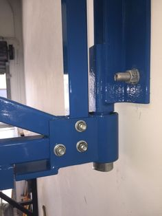 Bottom bearing mount - Workshop crane jib. Tags: crane, jib, diy, custom, made, wall mount, 12v, winch, ball bearing, counter lever, home made, 500kg, articulated, home, garage, workshop, dolly, rollers, bench, welding,