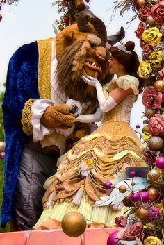 disney face characters | WDW April 2009 - Celebrate a Dream Come True Parade with Belle and ...