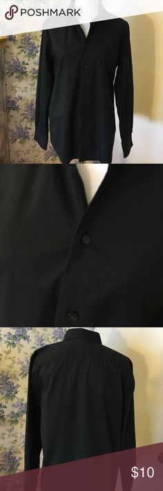 Men's black dress shirt modern fit, Medium Pre-loved condition this Express1MIX, sz M, is a modern fit with stretch cotton. It is 15–15 1/2 inches for the neck. It is 30 inches from the bottom of the collar to the bottom of the shirt. It is 25 1/2 inches for this sleeves including the cuffs. It is 21 1/2 armpit to armpit. There are buttons all the way down the front. I was just too lazy to button them all!! Express1MIX Tops Tees - Long Sleeve