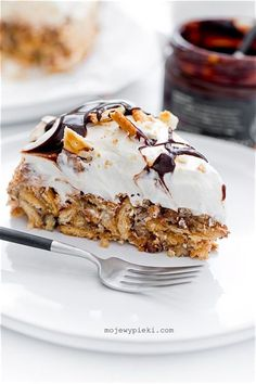 Chocolate Cake & Peanut Butter Buttercream loaded with chopped crispy, crunchy butterfingers candy bars! This cake is out of this world! Chocolate Ganache Tart, Chocolate Cake, Cracker, Lemon Desserts, Polish Recipes, Pavlova, Let Them Eat Cake, Chocolate Recipes, Baked Goods