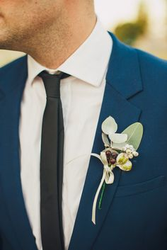 Stunning blue hipster wedding  |  The Frosted Petticoat