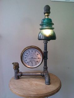 Working antique humidity and temperature gauge lamp