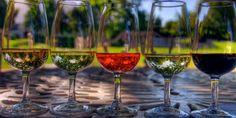 ¿A qué temperatura se ha de tomar el vino? Te contamos cómo explotar al máximo el sabor del vino en nuestro blog de etiquetatuvino.com #vinoconpersonalidad #temperaturasdelvino