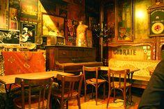 Le Piano Vache / Authentic bar in Paris