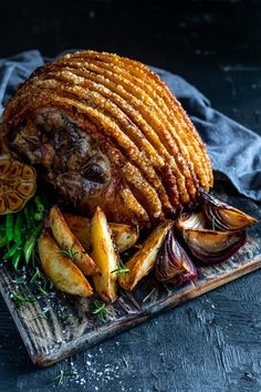Nothing says Sunday afternoon like a pork roast with golden crackling. This one is a winner served with simple oven roast veggies and green beans. Roast Pork Crackling, Pork Leg Roast, Oven Roast, Lamb Recipes, Roast Recipes, Cooking Recipes, Meal Recipes, Cooking Ideas, Food Ideas