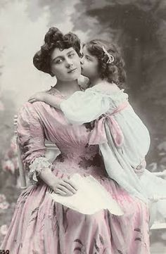 Lunagirl Moonbeams by Lunagirl Vintage Images: Mother's Day: Free Images for Last-Minute Cards & Crafts