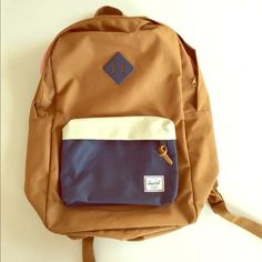 Backpack Barely used Hershel backpack. Perfect size. Herschel Supply Company Bags Backpacks