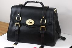 cake international 2014 purse cakes | ... we come to the stunning handbag cake that no one believes is cake