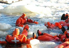 Dat water sure is chilly! :D #kemi #travel #finland #chilly! #lapland #sampo #icebreaker