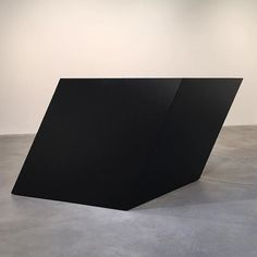 #tonysmith #matthewmarksgallery #black #sculpture... / artense