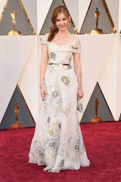 Isla Fisher in a white floral gown at the 88th Academy Awards on Feb. 28, 2016 in Hollywood, California.