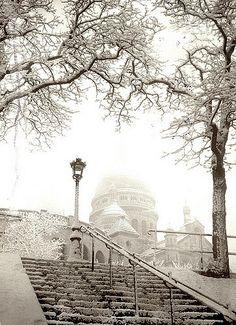 France - Paris, Montmarte, snow