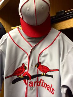 Throwback uniforms that the Cards will wear on 5-04-14.  Love these!