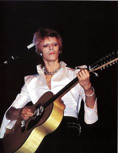 October, 1972; on stage in Santa Monica with his outfit partly borrowed from Cyrinda Foxe