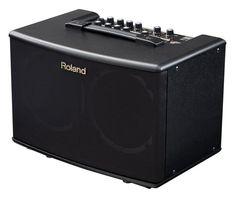 Kraftig stereoforsterker med lav vekt og naturlig akustisk tone, spesialdesignede høyttalere og innebygde stereoeffekter.