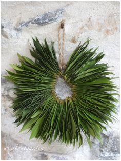 DIY laurel wreath from About Garden.