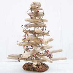 Driftwood Christmas Tree — Crafthubs